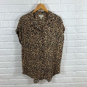 Per Se Leopard Short Sleeve Button Down Large